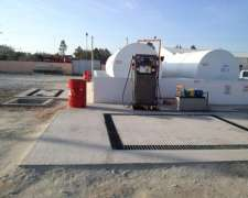 Estación de Combustible con Surtidor Simple