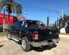 Dodge RAM 1500 Laramie AT. año 2015