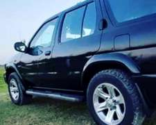 Nissan Pathfinder 4X4 Automática V6 220cv año 2004