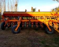Sembradora Agrometal de 13 a 52 con Fertilización en Linea