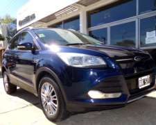Kuga SEL 1.6 Turbo A/T 4X4 año 2014 Impecable