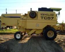 Cosechadora New Holland TC 57 año 1996 Plataforma de 23 PIE