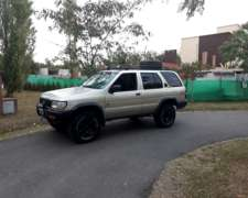 Nissan Pathfinder 4x4 Muy Buena