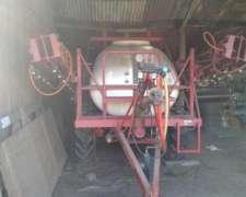 Pulverizadora de Arrastre Marca Corti de 2200 Lts