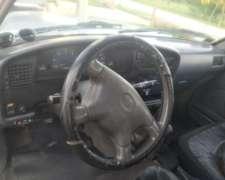 Toyota Hilux 2001 4X4 3.0 Turbo SRV