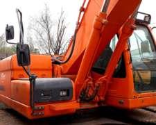 Excavadora Doosan DX225 - 4000 Horas con Linea Martillo