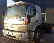 Ford Cargo 1831 .-
