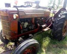 Vendo Tractor MC Cormik W9