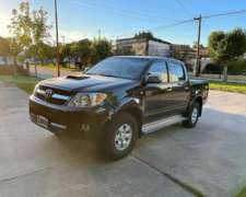 Toyota Hilux SRV 4X2 año 2006 - 260000 km