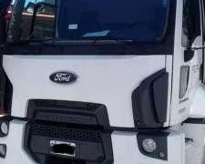 Ford 1722 129.000 km con Caja Multiuso