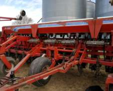 Sembradora de Granos Gruesos con Fertilización y Monitor