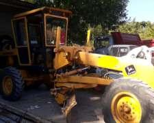 Motoniveladora John Deere 570 a -