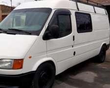 Ford Transit con 3 Camas y Equipamiento
