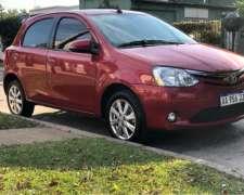 Toyota Etios 1.5 XLS AT