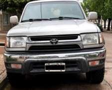 Toyota Hilux SW4 .