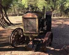 Tractor año 1920 Entero