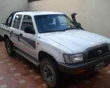 Vendo Toyota Hilux 4x4 Doble Cabina 2003