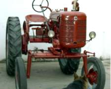 Antiguo Tractor I.h. Farmal MC Cormick Original