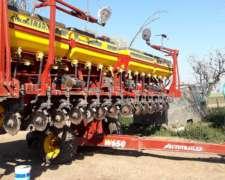Sembradora Super Walter Autotrailer año 2015 de 16 a 52