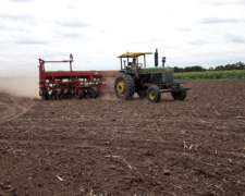 Vendo 2 Tractores UN Massy 1215 y Johon Deere 3530