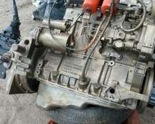Motor MWM 4cil Turbo.145hp. con Caja Clark Grande. muy Bueno