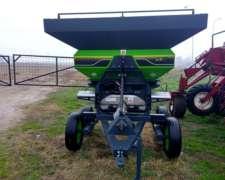 Fertilizadora Bidisco Marca Bernardin - Cap. 2500 Lts -