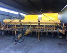 Sembradora Agrometal GX 23 a 19 cm con Alfalfero
