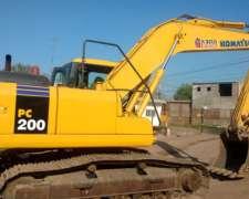 Excavadora PC 200 año 2005