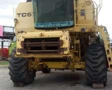 Cosechadora New Holland TC 57 Modelo 2004