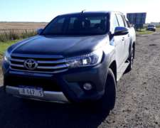 Pick UP Toyota Hilux 2017 Full