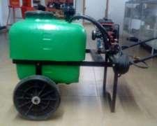 Pulverizador de Arrastre con Motor Naftero