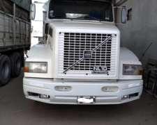 Camion Volvo NL 320 muy Buen Estado