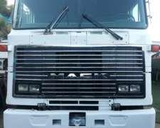Vendo Camión Mack 420hp 6X4
