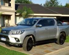 Garantia De Fabrica. Toyota Hilux 2.8 Srx 4x4 2017 Uso Paseo