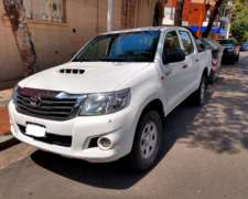 Toyota Hilux 2015 4X2 Pack Electrico. Recibo Menor