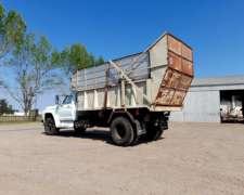Ford 7000 con Caja Silera