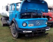 Mercedez Benz 1114/48. Regador con Moto Bomba.
