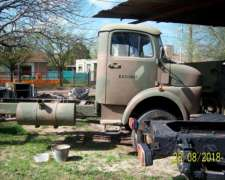 Camion 4x4 1114 Mercedes Benz Unimog