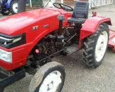 Tractor XT 240 30 HP Usado