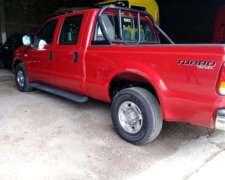 Camioneta Ford F100 Doble Cabina 4x2