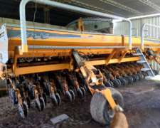 Sembradora Agrometal MX 33 a 21 C/alfalfero