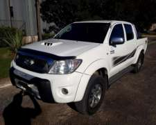 Toyota Hilux SRV 2011 Manual