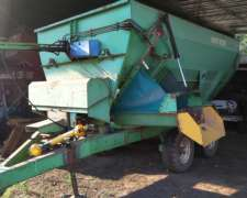 Mixer Montecor de 10m3 con Balanza Hook