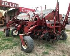 Vendida Crucianelli Pionera 2520 con Alfalfero Vendida