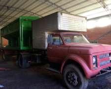Vendo Camión -tolva-taller para Equipo de Siembra
