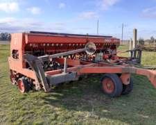 Tanzi 4300 con Fertilización y Alfalfero