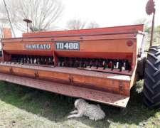 Sembradora Semeato TD 400 24 Lineas a 17 cm Cajon Alfalfero.