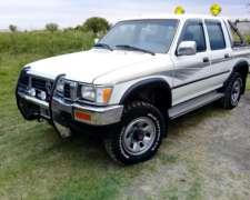 Toyota 2001 4X4 Doble Cabina