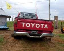 Camioneta Marca Toyota Hilux