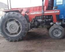 Tractor Massey Ferguson en